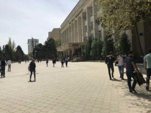 Baku State University 入り口