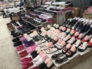 Bina市場の靴屋 2