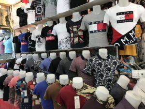 Bina市場のシャツ