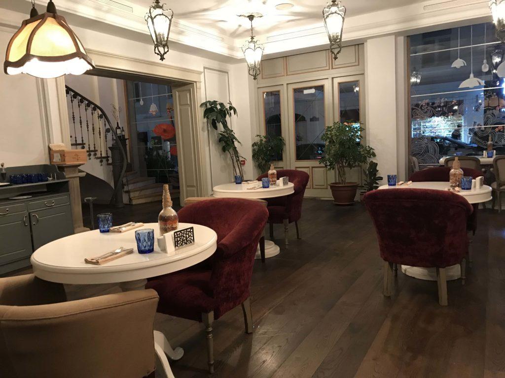 イタリアンレストラン店内
