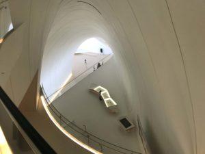 ヘイダル・アリエフ・センター階段