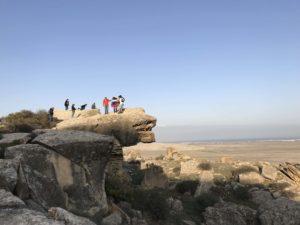 ゴブスタン国立公園の観光客