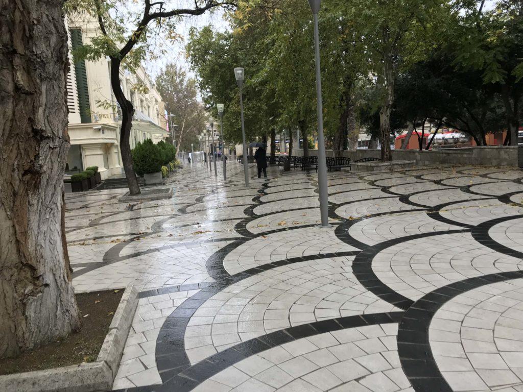 雨のNizami通り