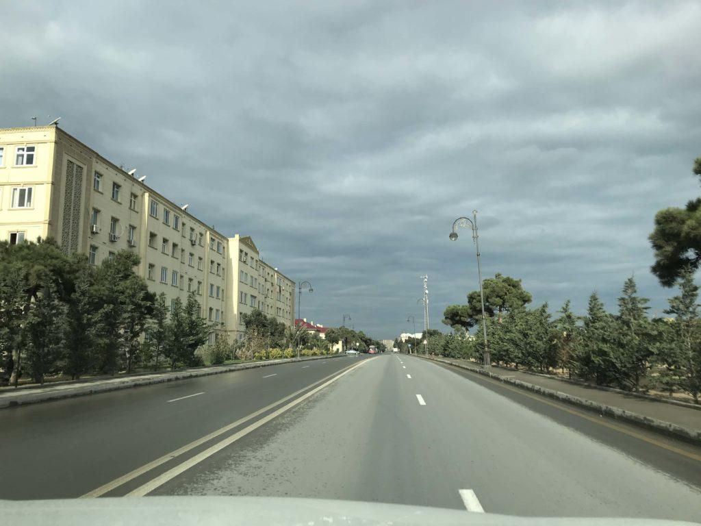 ピララヒ島の道