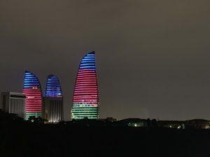 アゼルバイジャンの国旗ライトアップ