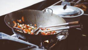 中華料理のキッチン