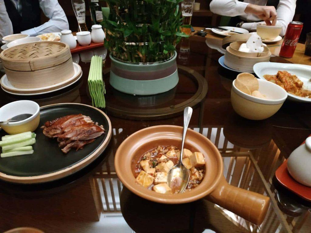 アジアンキッチン食事